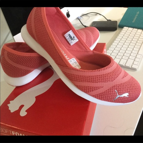 06db08445453 Puma sneakers slide on size youth 3
